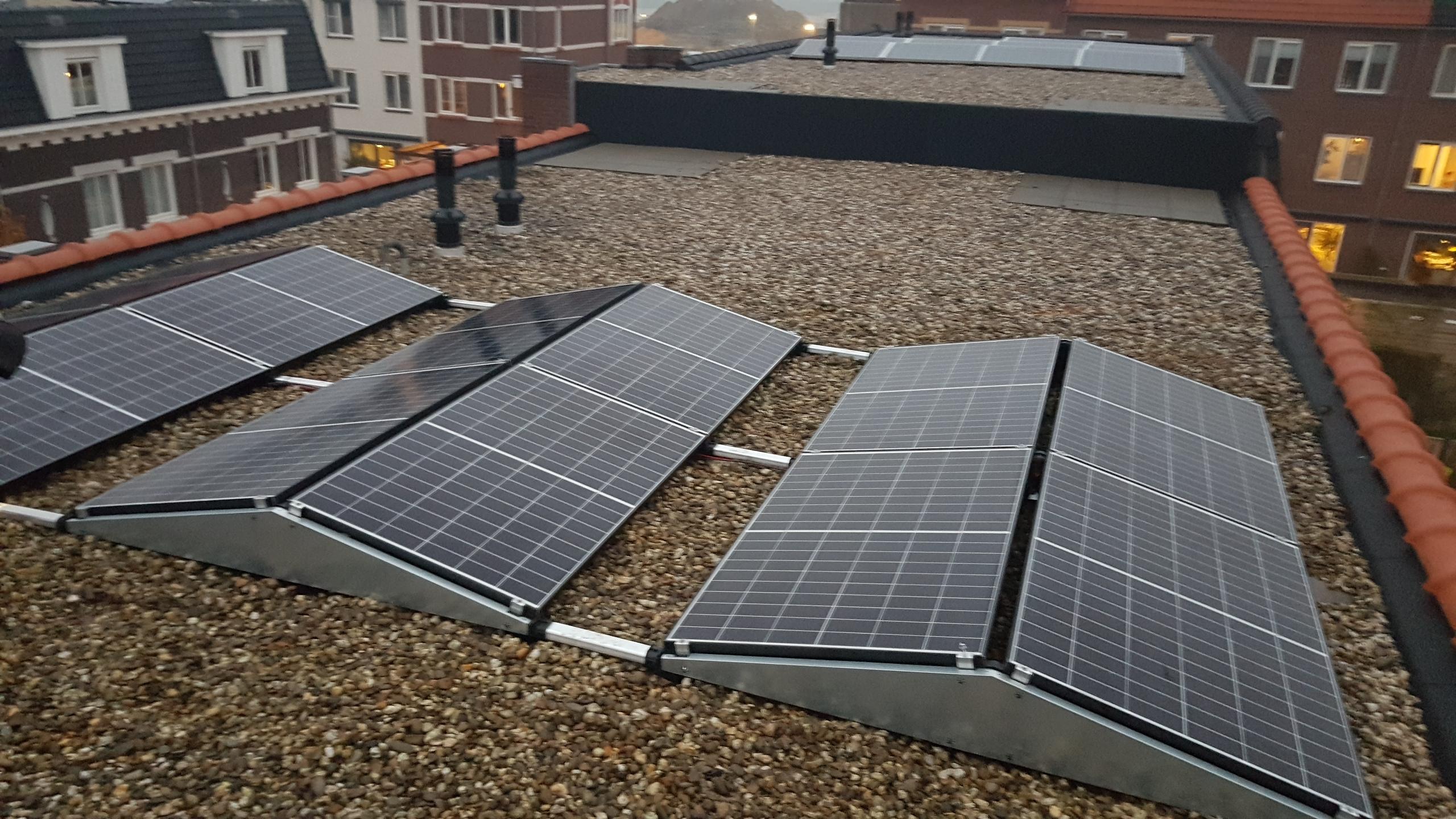 Nijmegen 12 panelen plat dak